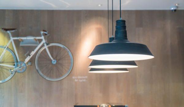 hanging-lamp_1339-2398